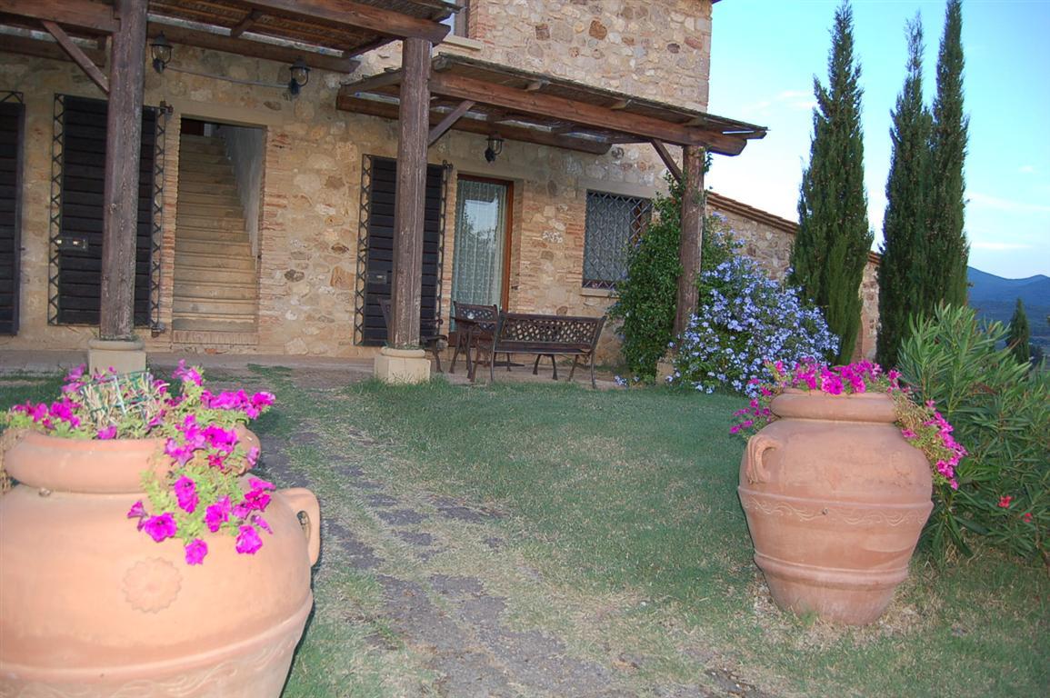 Casa vacanze in bibbona podere novo for Immagini di case rustiche